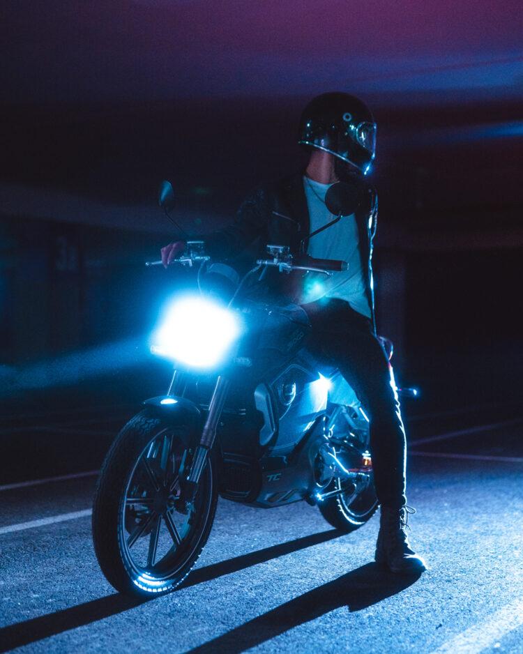 Super Soco Neon 3