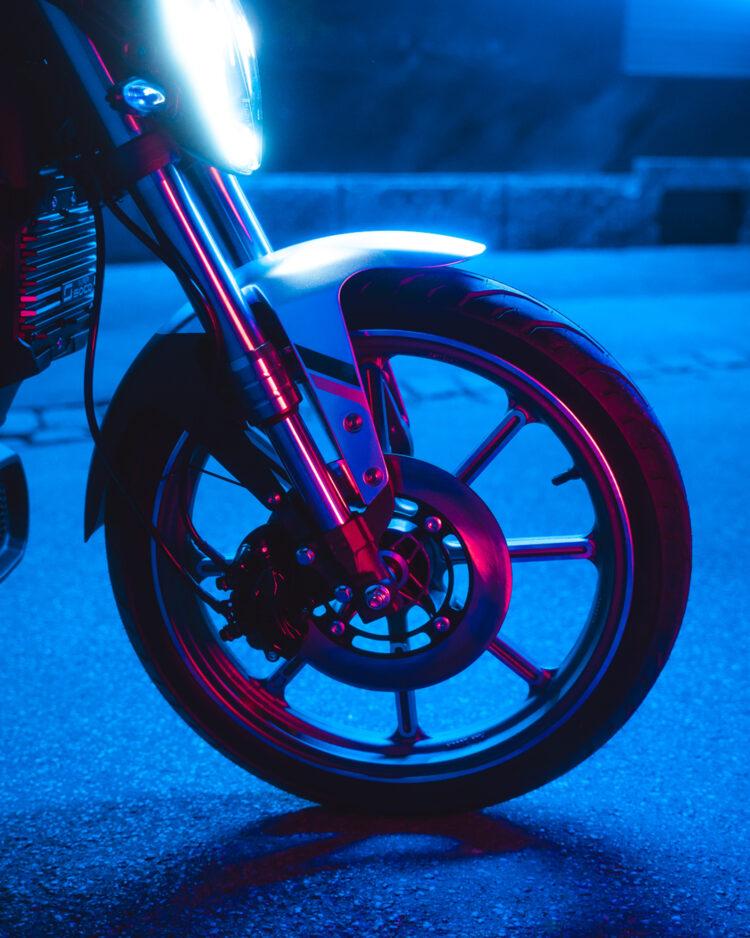 Super Soco Neon 9